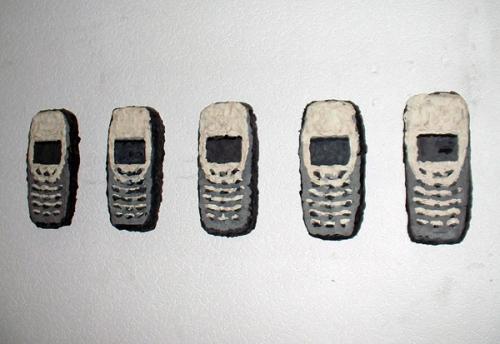 mobiltelefone-knete-je15x30x5cm-2006-kopie.jpg